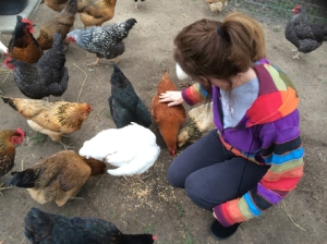 rsz_alisa_with_chickens