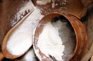 bigstock-Flour-969252 (1)