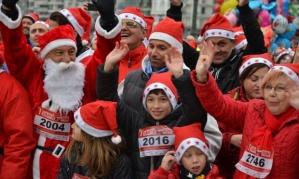 1st Santa Run held in Thessaloniki helps children charities
